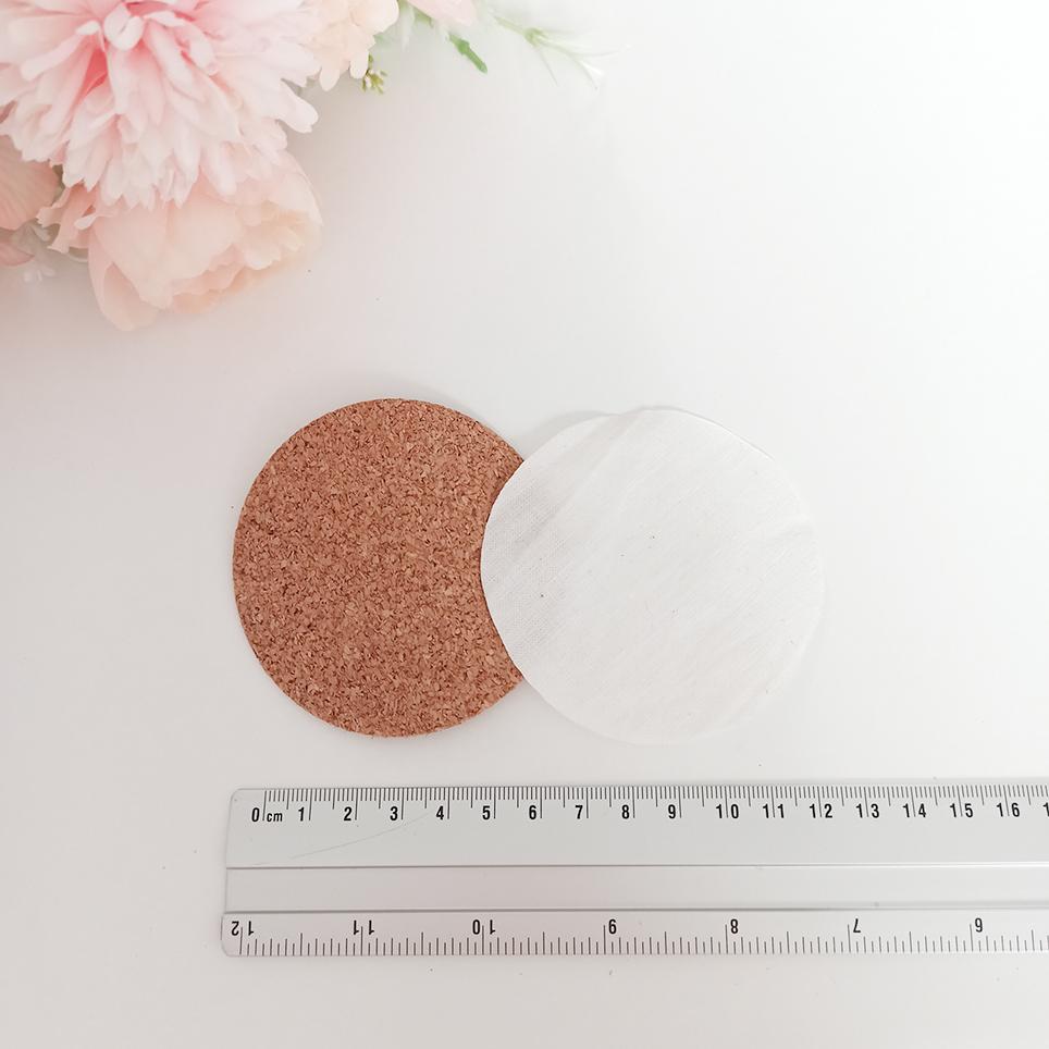 DIY-Ideen mit Kork Kreiszuschnitte aus Kork und Stoffe